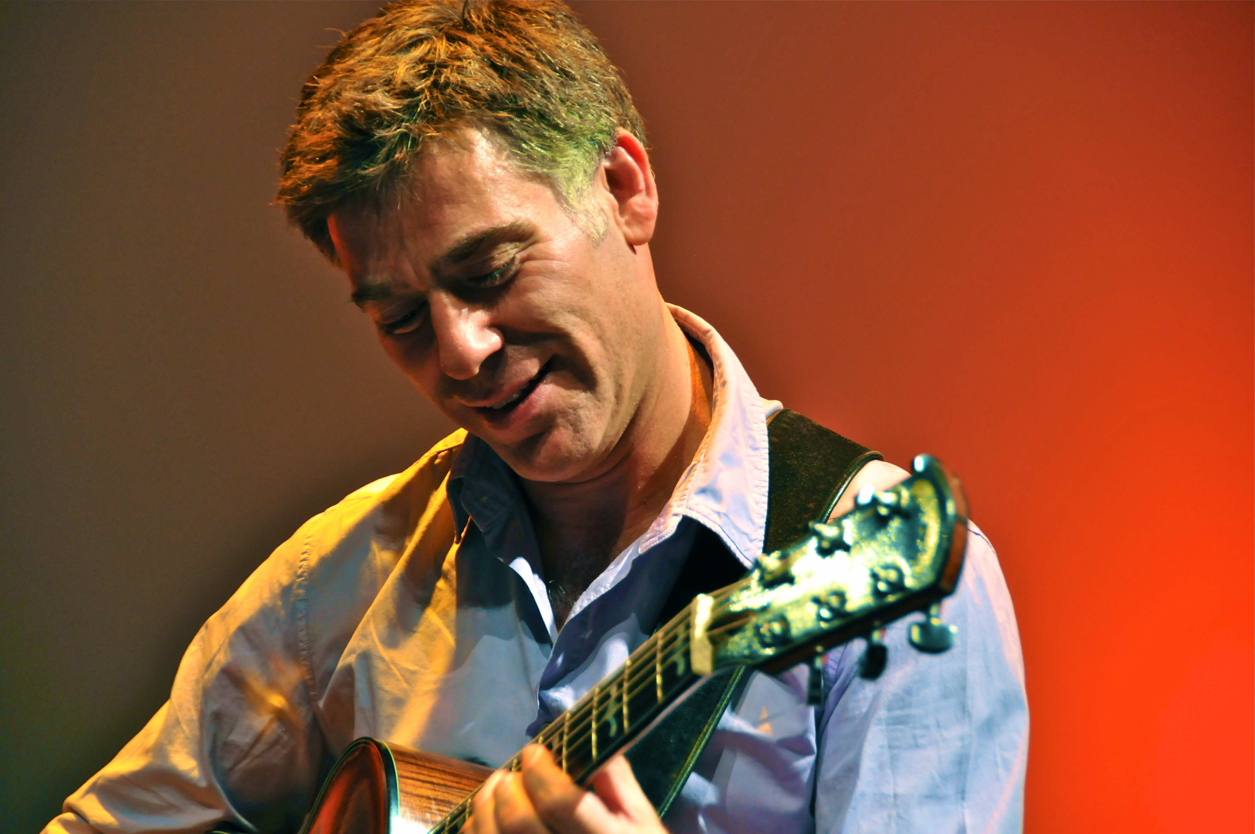 Peter Bernstein Playing Guitar